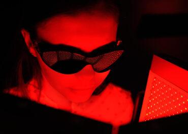Υπερσύγχρονη Μονάδα Φωτοδυναμικής Θεραπείας για την Κυστική Ακμή